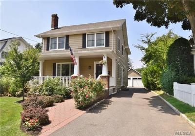 Huntington NY Single Family Home For Sale: $729,000