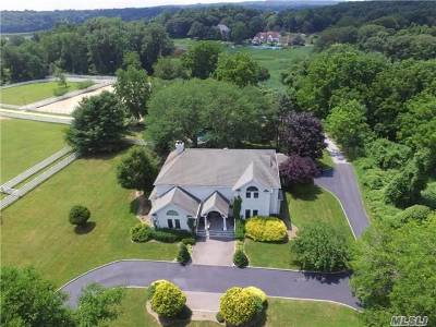 Nissequogue Single Family Home For Sale: 670 Horse Race Ln