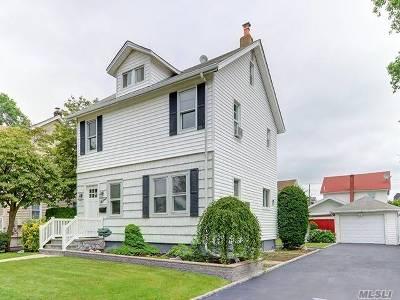 Hicksville Single Family Home For Sale: 15 Elm St