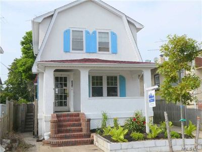 Long Beach NY Single Family Home For Sale: $369,000