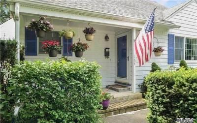 Garden City Single Family Home For Sale: 164 Locust St