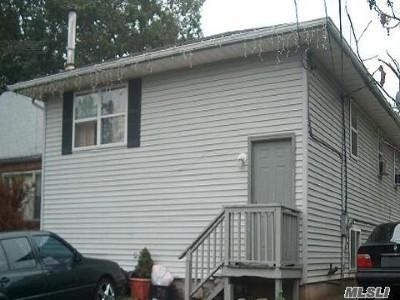 Huntington Single Family Home For Sale: 283a Broadway