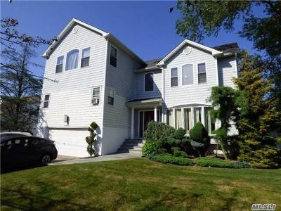 Woodmere Single Family Home For Sale: 500 Saddle Ridge Rd