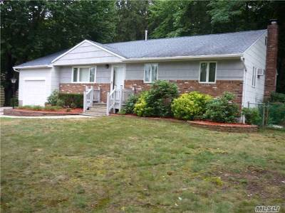 Smithtown Single Family Home For Sale: 11 Lower Rd