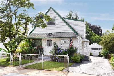 Flushing Single Family Home For Sale: 64-20 138 Street