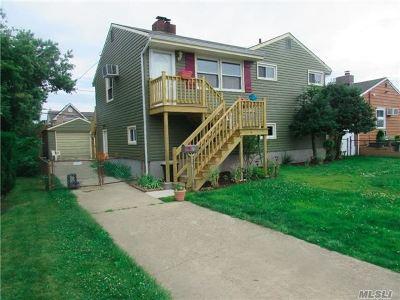 Freeport Single Family Home For Sale: 7 Tyler St
