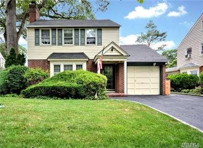 Rockville Centre Single Family Home For Sale: 435 Raymond St