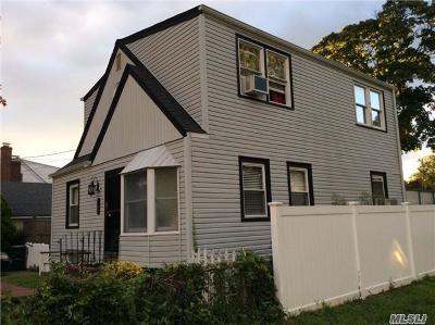 West Islip Single Family Home For Sale: 757 Bay 7th St