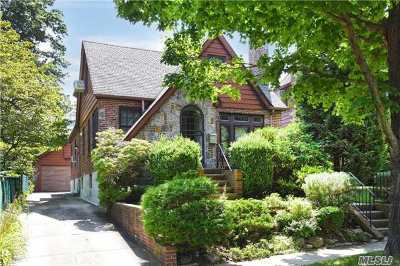 Flushing Single Family Home For Sale: 32-15 168th St