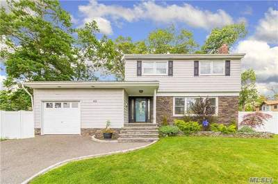 Ronkonkoma Single Family Home For Sale: 65 Laurel Blvd
