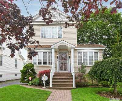 Hewlett Single Family Home For Sale: 1273 Webster St