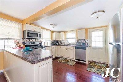 Long Beach NY Single Family Home For Sale: $439,000