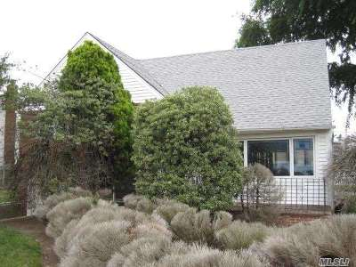 Oceanside Single Family Home For Sale: 3405 Oceanside Rd