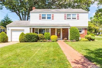 Rockville Centre Single Family Home For Sale: 1440 California St