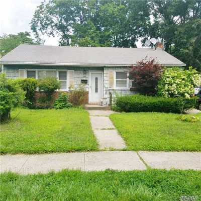 Nassau County Single Family Home For Sale: 155 Lincoln Ave