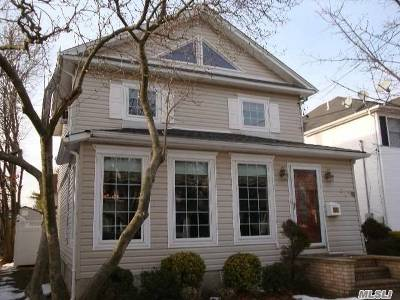 Lynbrook Single Family Home For Sale: 35 Melrose Ave