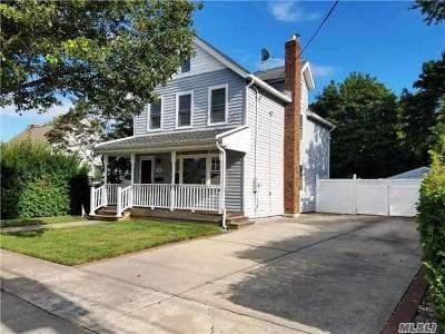 Farmingdale Single Family Home For Sale: 88 Grant Ave