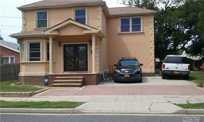 Freeport Single Family Home For Sale: 29 Colonial Ave