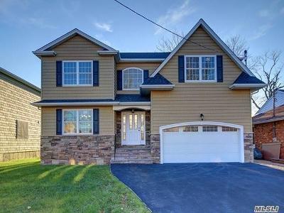 Oceanside Single Family Home For Sale: 3500 Frederick St