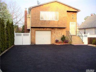 Medford Single Family Home For Sale: 131 Norwalk Ave