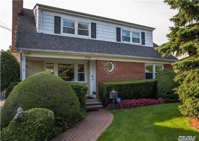 Hewlett Single Family Home For Sale: 1734 Hancock St