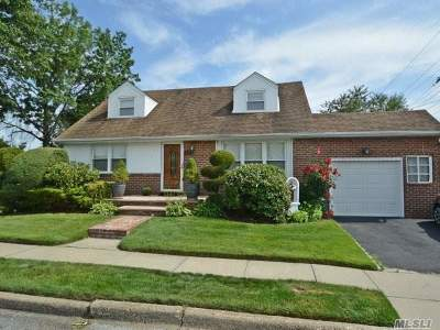 Mineola Single Family Home For Sale: 301 Roselle St
