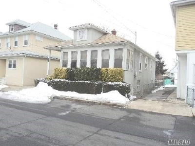 Inwood Single Family Home For Sale: 154 Mott Ave