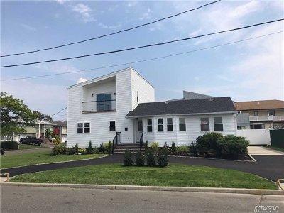 Island Park Single Family Home For Sale: 217 Saratoga Blvd