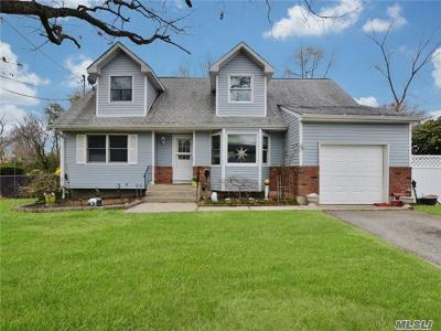 Deer Park Single Family Home For Sale: 102 Pine Acre Blvd