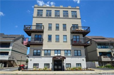 Long Beach NY Condo/Townhouse For Sale: $255,000