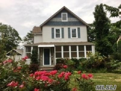 Farmingdale Single Family Home For Sale: 15 Clinton St