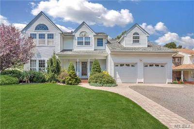 S. Setauket Single Family Home For Sale: 74 Province Dr