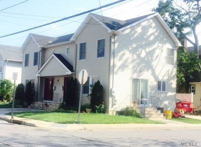 Woodmere Multi Family Home For Sale: 1077 Cedar Ln