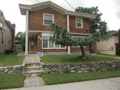 Douglaston, Little Neck, Douglas Manor Single Family Home For Sale: 57-54 Hewlett St