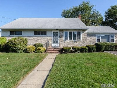 Single Family Home Sold: 249 Glen Cove Ave