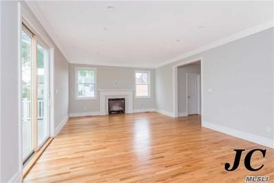 Long Beach NY Single Family Home For Sale: $825,000