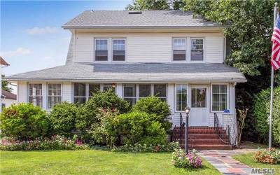 Lynbrook Single Family Home For Sale: 19 Thompson Pl
