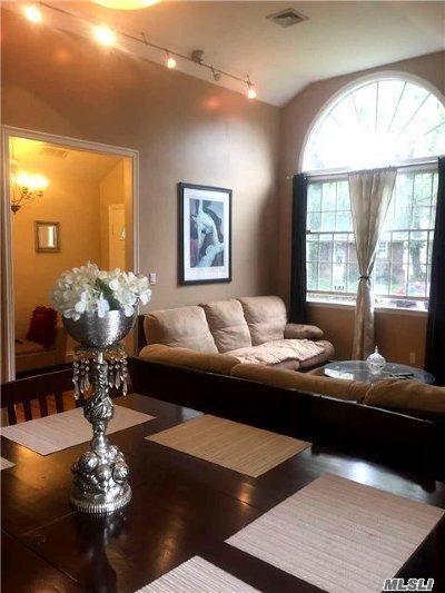 Ronkonkoma Single Family Home For Sale: 108 N Huron St