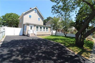 Bay Shore Single Family Home For Sale: 51 2nd Ave