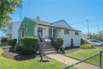 Freeport NY Single Family Home For Sale: $329,900