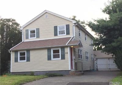 Syosset Single Family Home For Sale: 32 Devine Ave