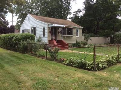 W. Babylon Single Family Home For Sale: 45 S Arizona Rd