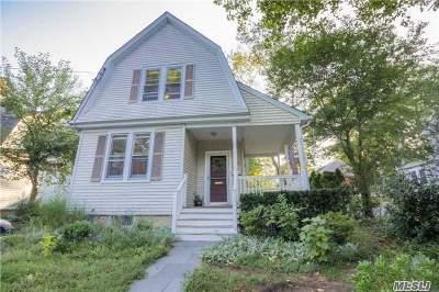 Huntington Single Family Home For Sale: 33 Hillside Ave
