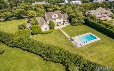 Southampton Single Family Home For Sale: 99 Pheasant Close E