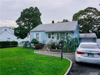 East Islip Single Family Home For Sale: 35 Beecher Ave