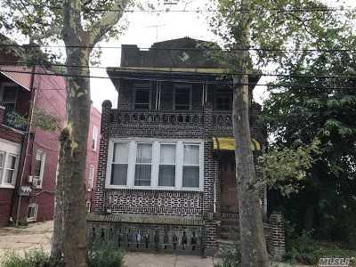 Brooklyn Multi Family Home For Sale: 524 Bradford St