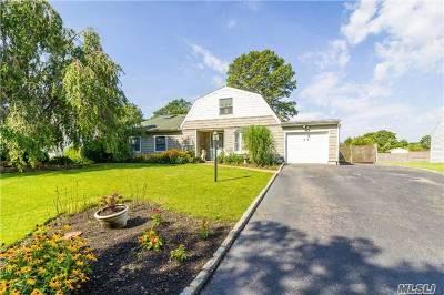 Medford Single Family Home For Sale: 68 Matsunaye Dr