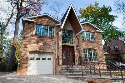 Jamaica Estates Single Family Home For Sale: 85-11 Avon St