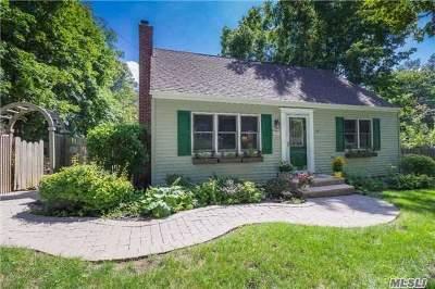 Huntington Single Family Home For Sale: 50 Hunters Ln