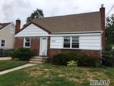 Farmingdale Single Family Home For Sale: 7 Sunset Ave